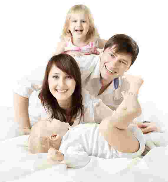 healthy-joyful-family